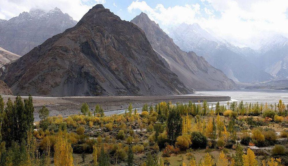 Pakistan 32 Hunza Tal Claus Istas
