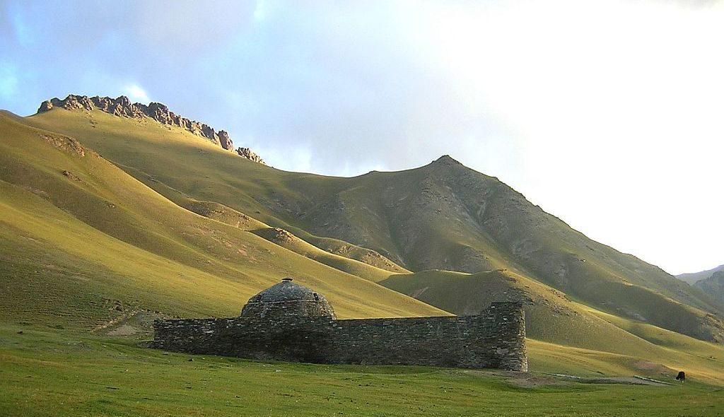 Kirgistan Tash Rabat 3 1024px