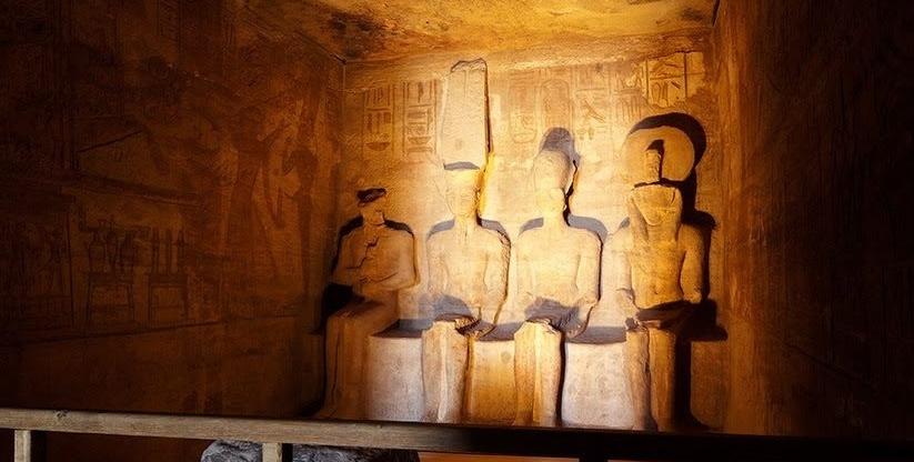 Ägypten Sonnenwunder Abu Simbel opener 1024px cut